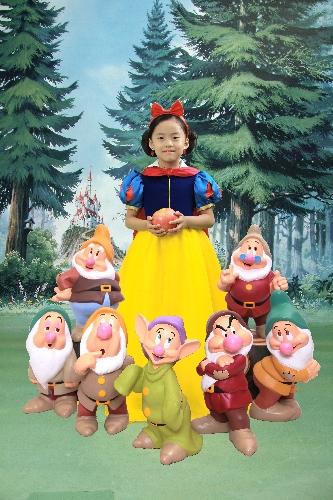 원지, 윤지, 서연이 월계 이마트에서 디즈니 컨셉 사진 찍음 신데렐라, 백설공주, 벨